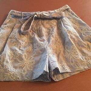 Women's Vineyard Vines shorts